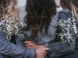 woman-huddle.jpg