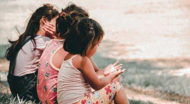 unsplash-image-children-on-grass.jpg