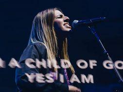 Brooke-Fraser-Hillsong-Worship-1-.jpg