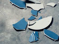 unsplash-image-broken-plate.jpg