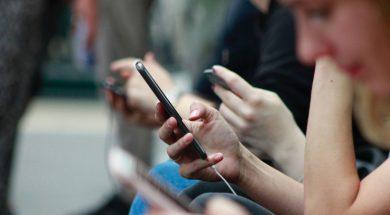 people-using-phones.jpg
