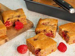 raspberry_tea_cake_jpg-1.jpg