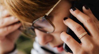 woman-phone-pexels-karolina-Grabowska.jpg