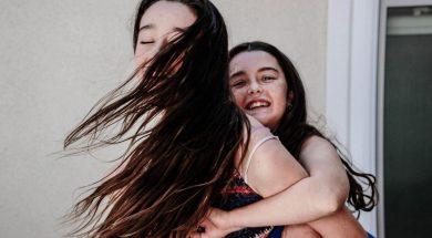 sisters-playing-shari-sirotnak-unsplash.jpg