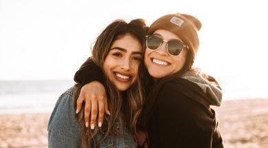 girl-friends-hugging-omar-lopez-unsplash.jpg